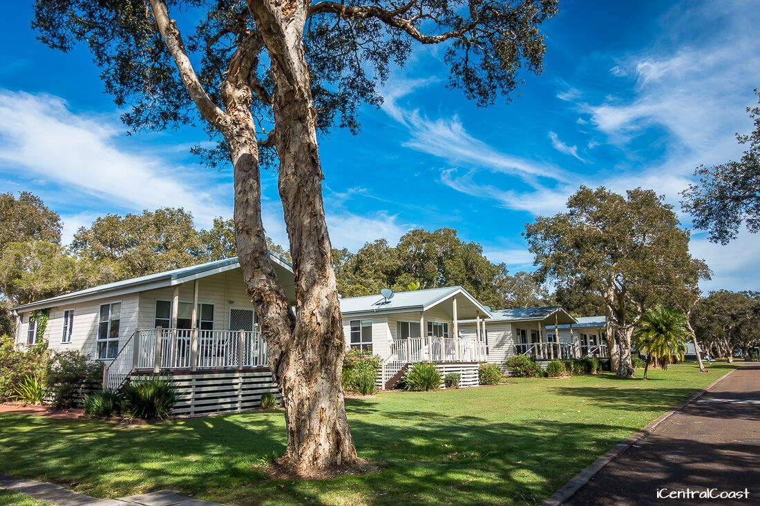 Budgewoi Holiday Park cabins