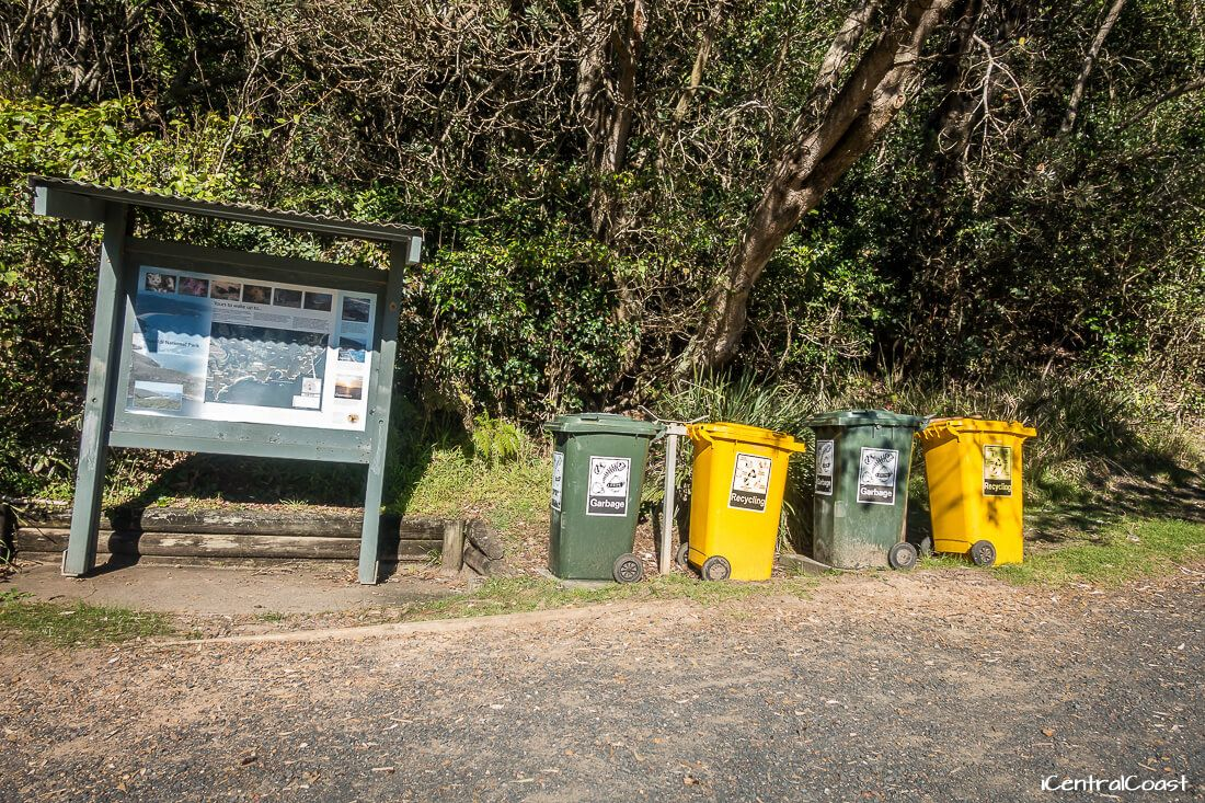 Rubbish bins and recycling bins