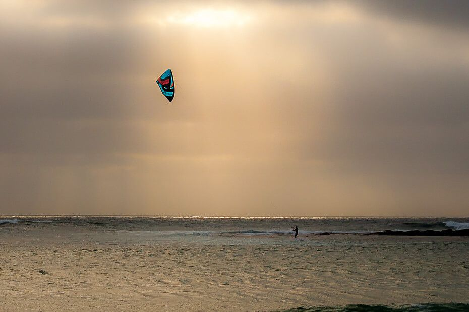 Kite surfing at Toowoon Bay