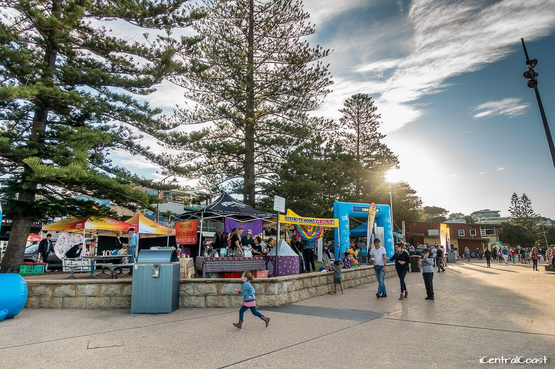 Terrigal music performance, jumping castle, entertainment