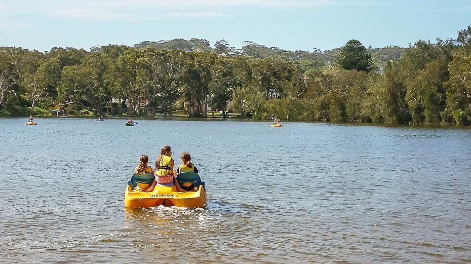 pedal-boat Avoca Lake